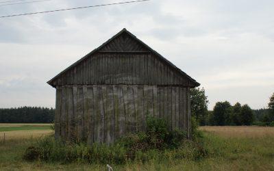 Owijoki wokół drewnianej chaty okręcane – czyli o tradycyjnym budownictwie gminy Brzeziny